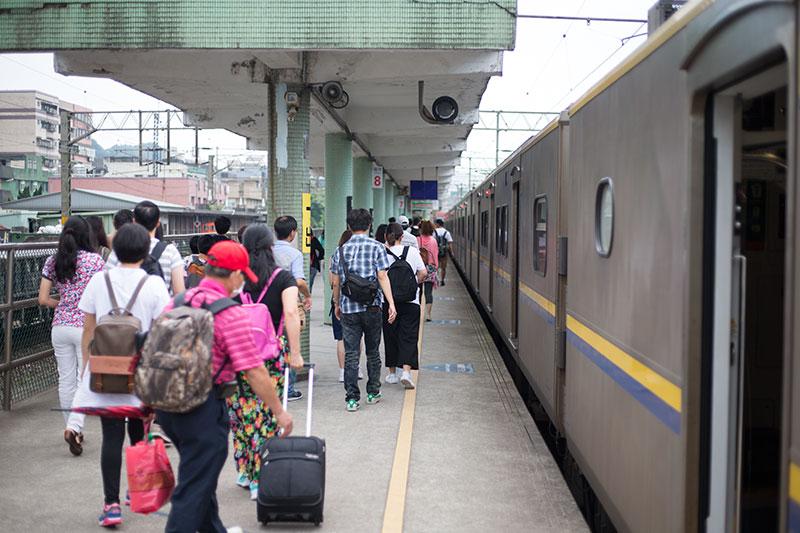 日本人はバスで行くのかほぼ中国系の人たちばかり